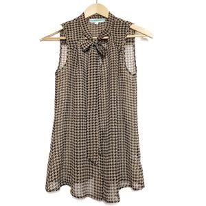 Pleione houndstooth sleeveless blouse